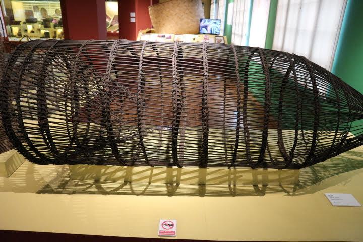 カゴ細工の漁網