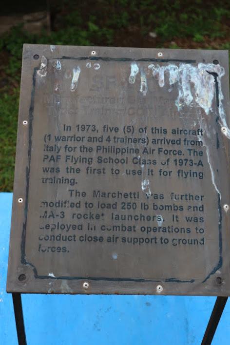 フィリピン空軍博物館SF260解説