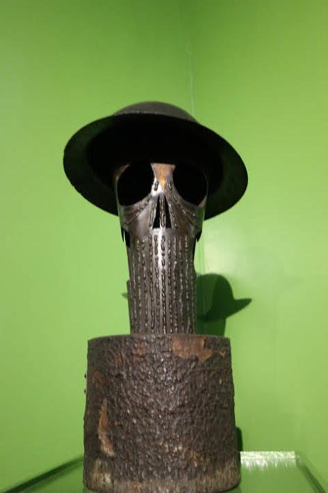 ギャラリー8バタアン行進彫刻