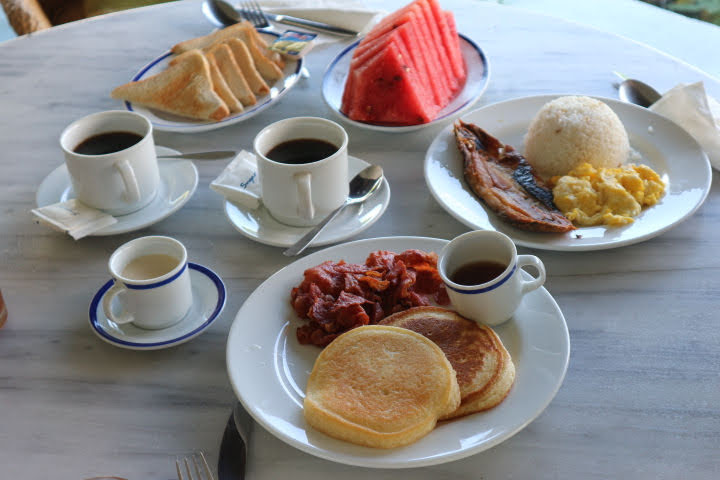コレヒドールイン朝食