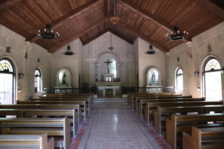 コレヒドール教会内部