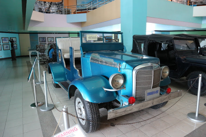 フィリピン空軍博物館クライスラー司令官車