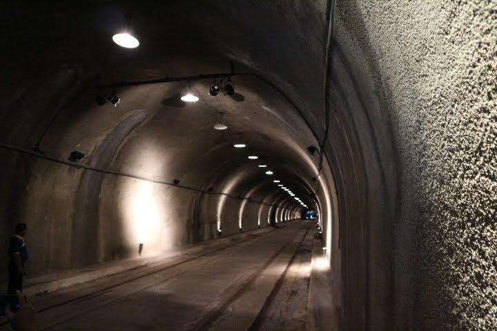 マリンタトンネル内部