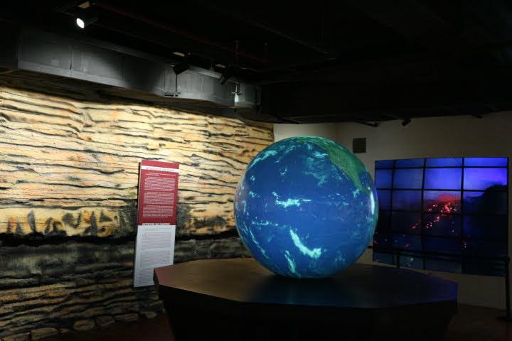 ギャラリー2地球