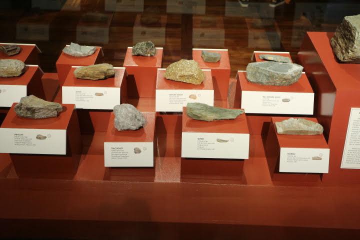 ギャラリー2岩石