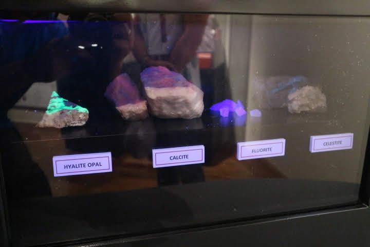 ギャラリー3光る石2