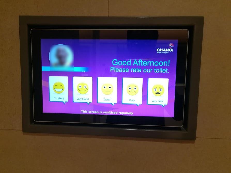 チャンギ空港トイレ清掃員評価システム