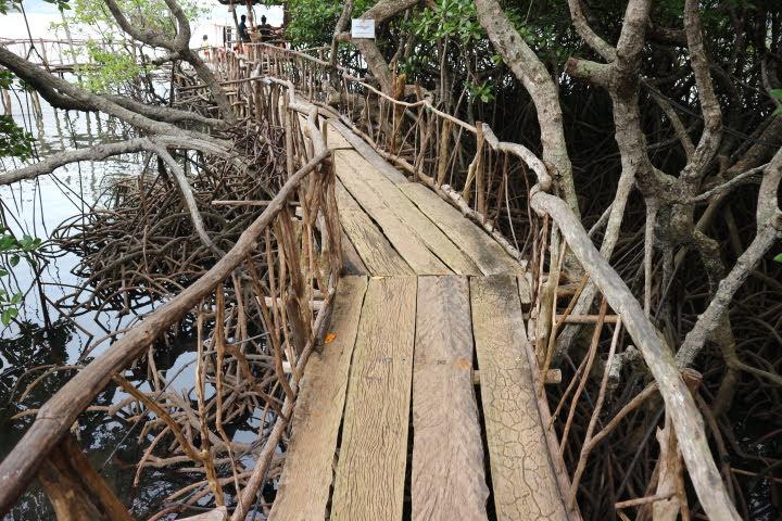 マキニット温泉船桟橋