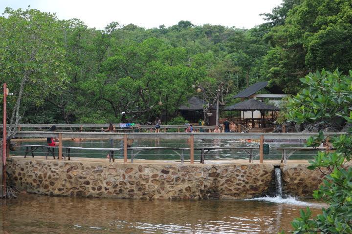 マキニット温泉全景