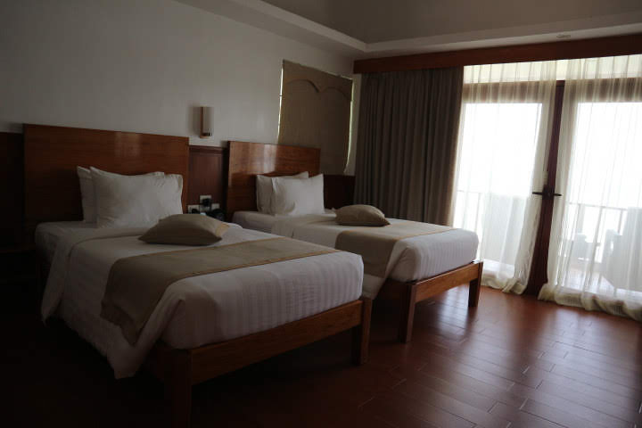 Sunlight Eco Tourism Island Resort水上コテージ室内