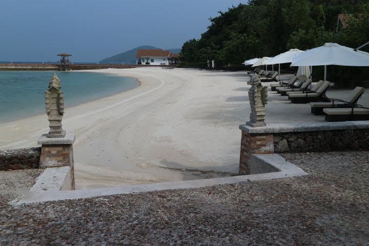 Sunlight Eco Tourism Island Resortビーチ東側