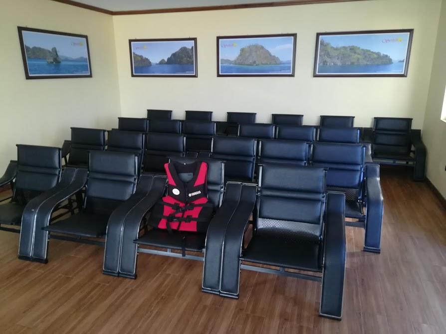 Sunlight Guest Hotelスピードボート乗り場待合室