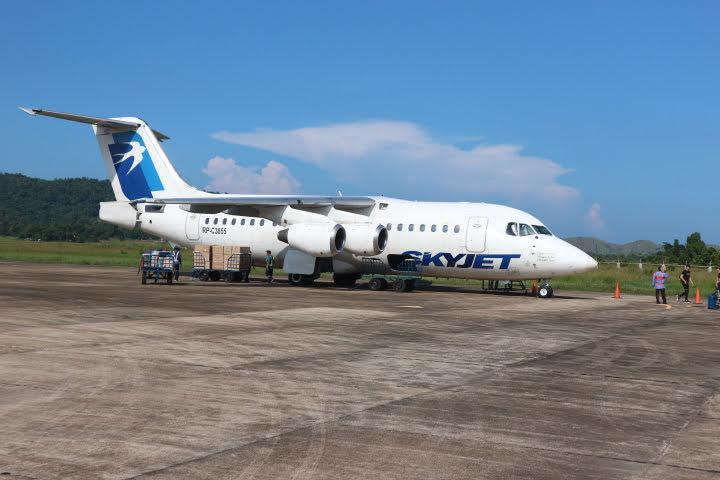 コロン空港SkyJet航空マニラ行き