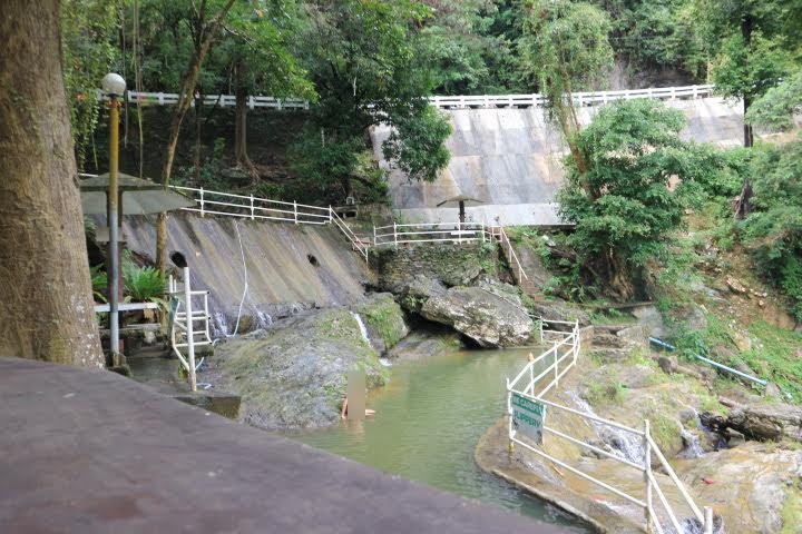 タマラオ滝リゾートプール