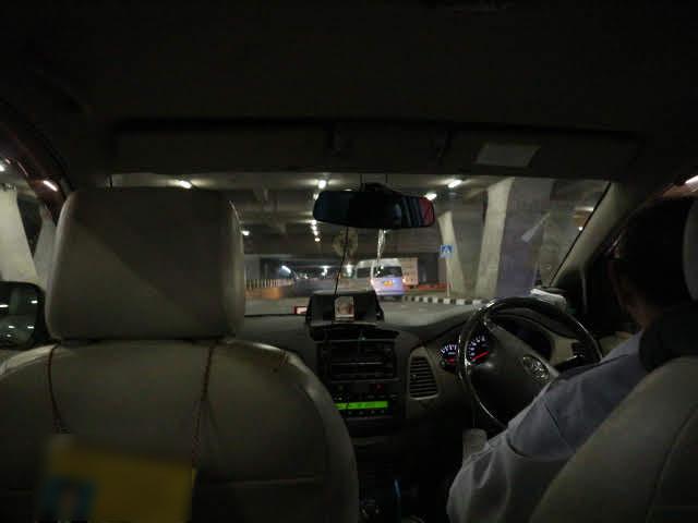スワンナプームからタクシーでカオサンエリアへ。