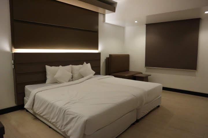 Clover City Center Plus Hotel室内