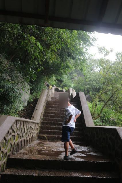 CaveTempleへの階段
