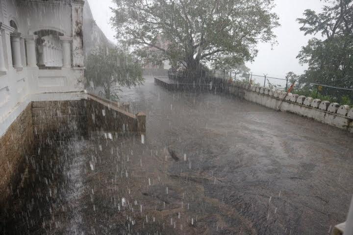 CaveTemple豪雨