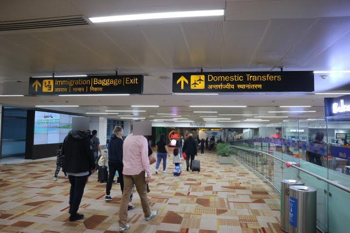 デリー空港ターミナル内部