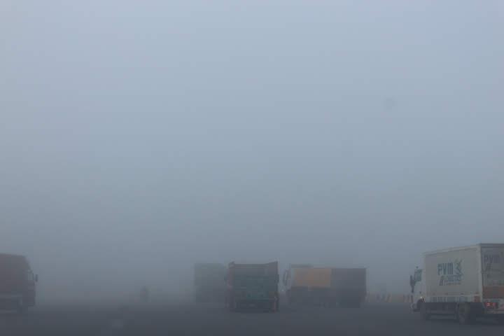 デリー近郊霧