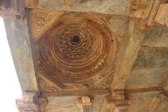 クトゥブ・ミナール天井の細工