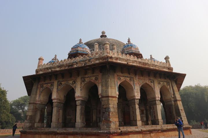 フマユーン廟横の廟