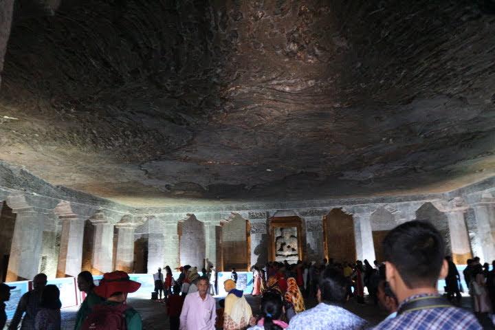 Ajanta遺跡洞窟内部