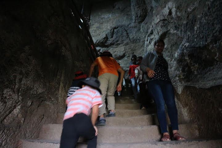 ダウラタバード・クサイ階段