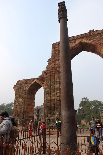 クトゥブ・ミナールのデリーの鉄柱